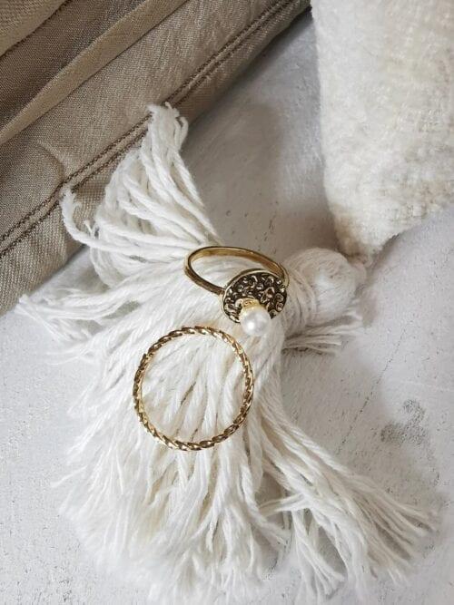 pierścionek z perłą złoty