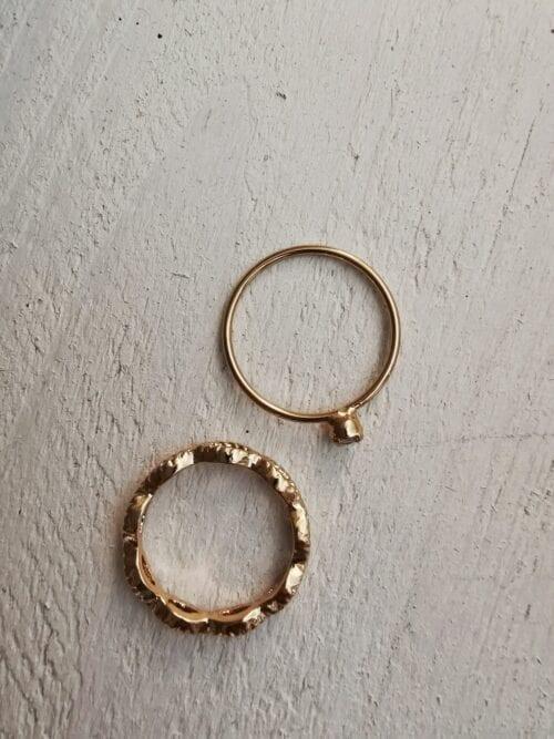 pierśckionek stare złoto z cyrkonią