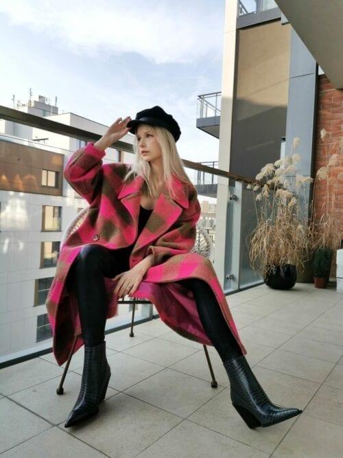 włoski płaszcz długi w różową kratę