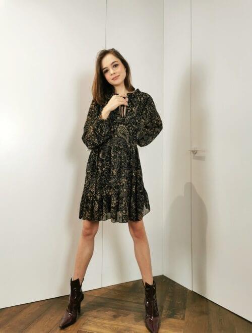 sukienka kloszowana wiązana czarna