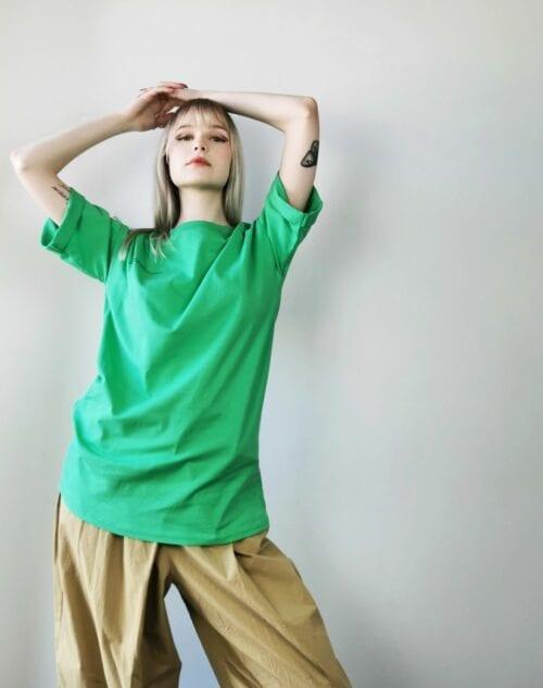 zielona koszulka z bawełny