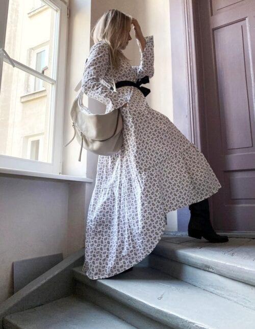 sukienka biała bawełniana z paskiem