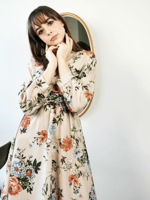 sukienka krótka w kwiaty beżowa