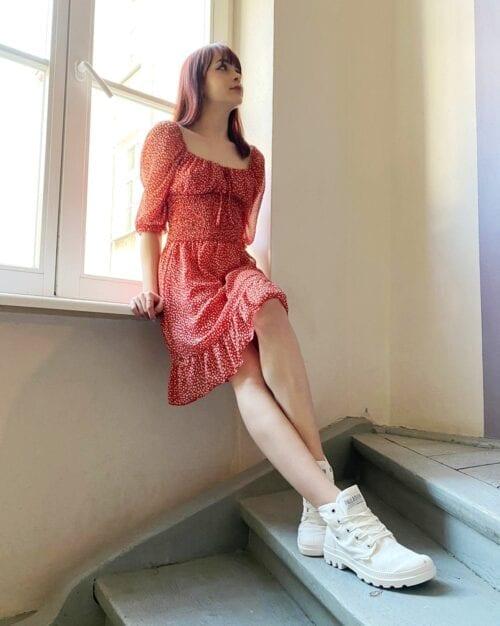 sukienka czerwona w stylu cottage girl w kwiatuszki