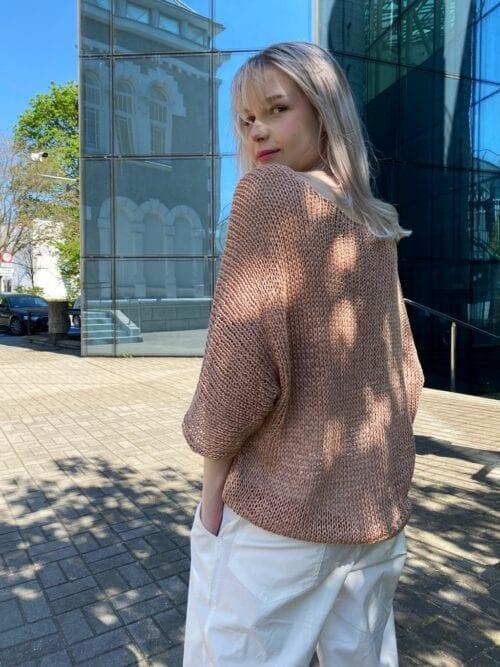 ażurowy sweterek złoty