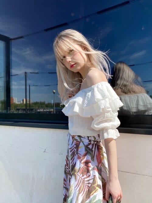 bawełniana biała bluzka hiszpanka