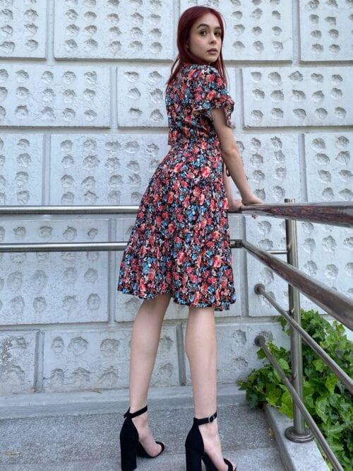 sukienka z wiskozy w kolano w kwiatuszki