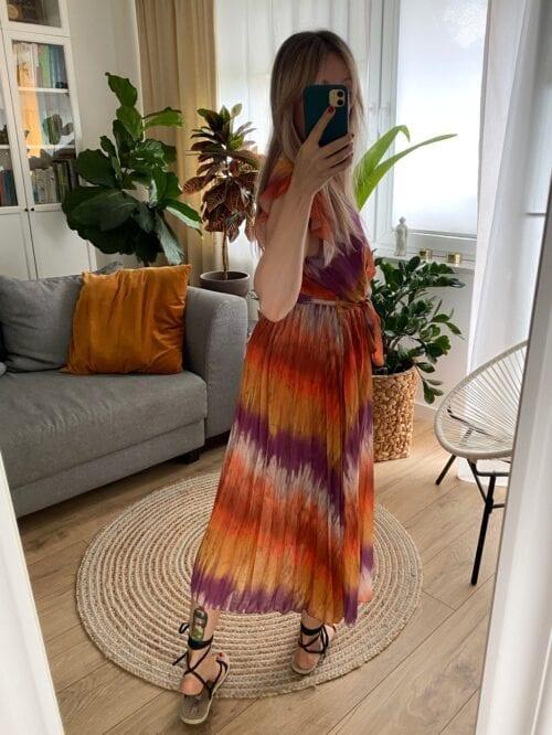 sukienka tie dye plisowana z paskiem