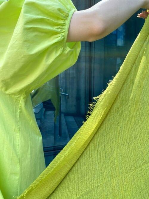 szal letni lemonkowy z wiskozy