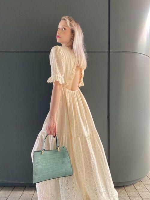 sukienka gipiurowa kremowa z bawełny bez pleców