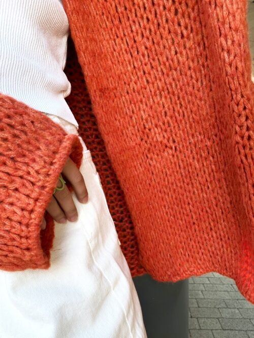 sweter miękki ceglany