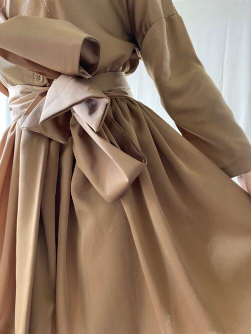 sukienka kimono beżowa krótka na wesele