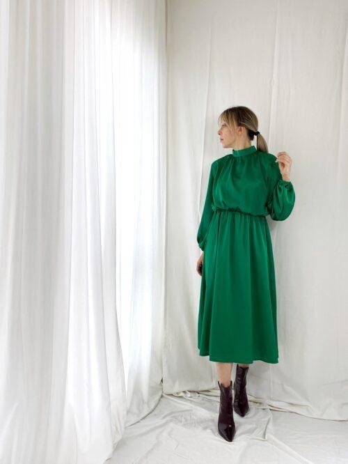 sukienka satynowa butelkowa zieleń midi na wesele