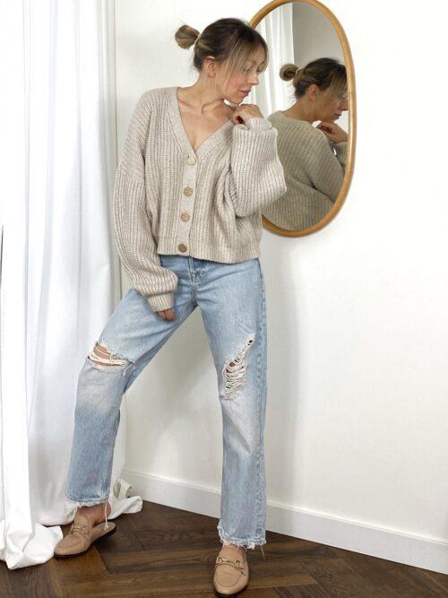 sweter beżowy krótki na guziki