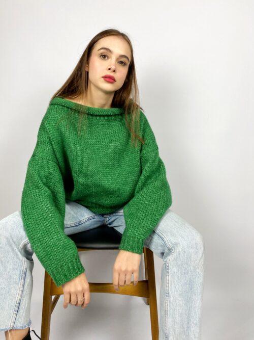 sweter zielony ciepłu krótki