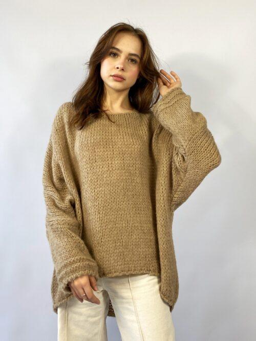 sweter o grubym splocie beżowy